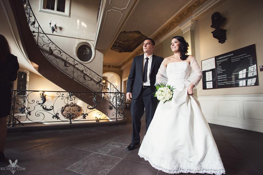 Hochzeitsfotografie im Standesamt Frankfurt Höchst
